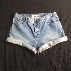 Tommy Hilfiger boyfriend jean shorts